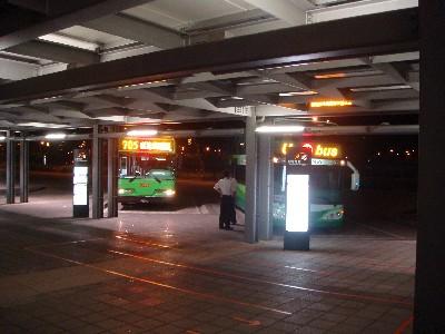 thr_bus1.jpg